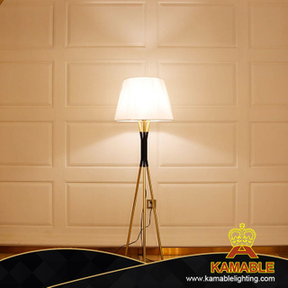 Regular White Golden Bedroom Studyroom Metal Floor Lamp (KA528-F)