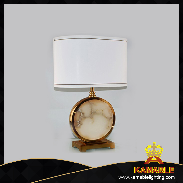Brass Modern Desk Light Decoration Table Lamp (TL3063)